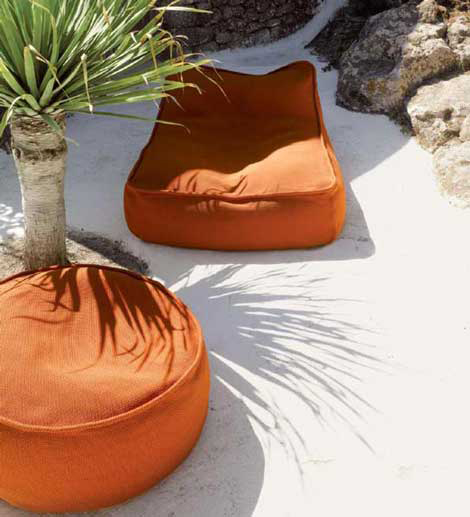 Chaise lounge by Paola Lenti